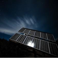 Солнечные панели: ночью и днем