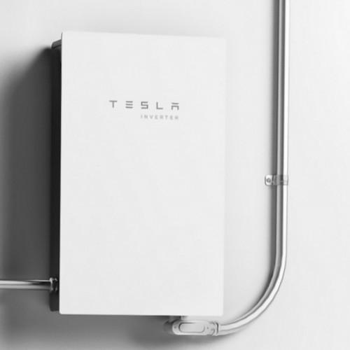 Новинка 2021: инвертор солнечной энергии Tesla