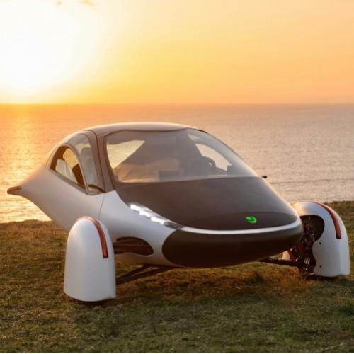 Новинка 2021: футуристический электромобиль Sol на солнечных батареях
